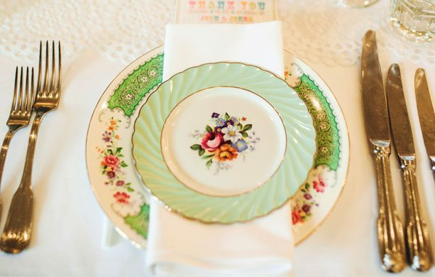 ava-tablesetting1