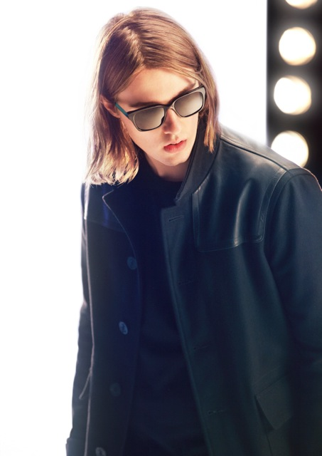 burberry-eyewear-spark-broken-hands-4