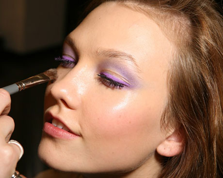 model-getting-her-makeup-done-at-versace-spring-2010-milan-fashion-week