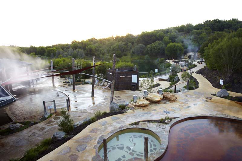 13201401_peninsula-hot-springs-pools