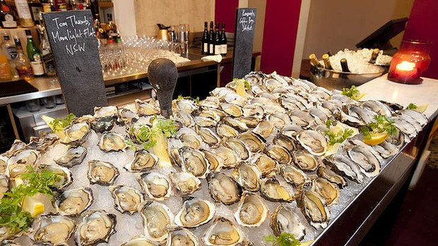 Get your palette ready for the albert park hotel oyster for Xi an food bar mt albert