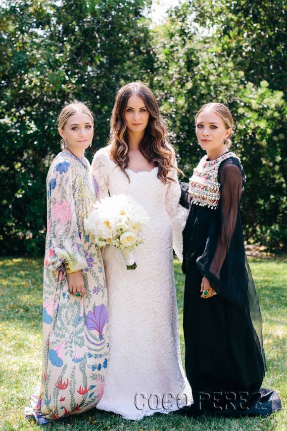 mary-kate-ashley-olsen-first-wedding-dress3__oPt