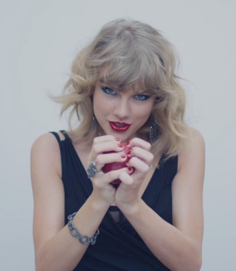 111114-taylor-swift-blank-space-embed-16-480