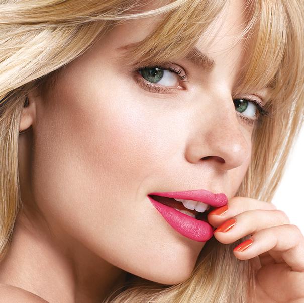 superstay-14-hour-lipstick-megawatt-model-shot