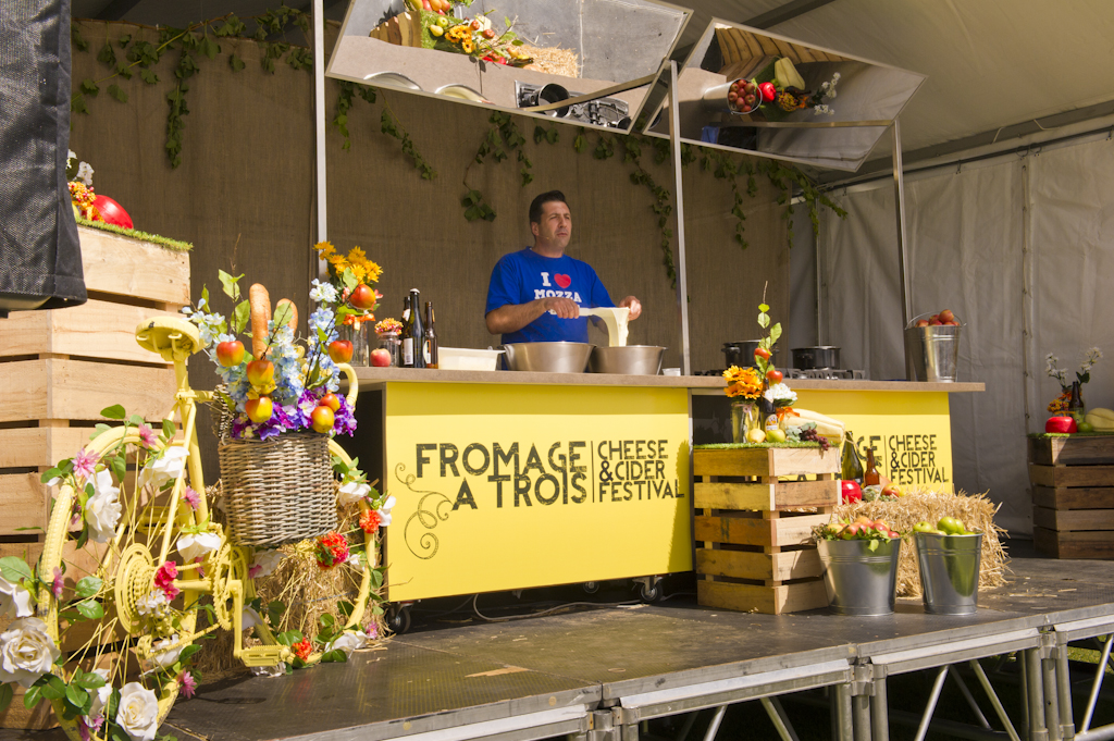 Fromage_A_Trois_2015_-_LR-124