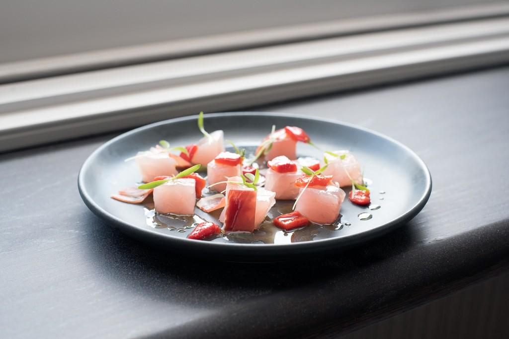 Tuna ceviche with sherry vinegar